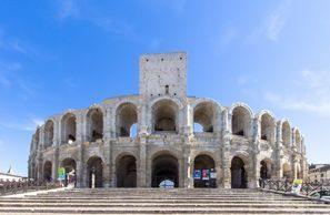 Najem vozila Arles, Francija