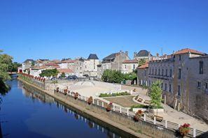 Najem vozila Fontenay Le Comte, Francija