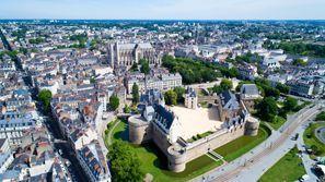 Najem vozila Nantes, Francija