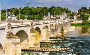 Najem vozila Tours, Francija